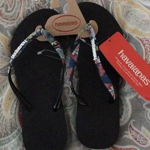 Havaianas flip flops..size 7/8,,